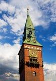 Πύργος ρολογιών αιθουσών πόλεων της Κοπεγχάγης Στοκ Εικόνες