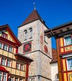 Πύργος ρολογιών Paintrd στο κέντρο του χωριού Appenzell Στοκ Εικόνες