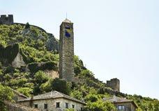Πύργος ρολογιών σε Pocitelj η χορήγηση του συνδετήρα της Βοσνίας περιοχών περιοχής που χρωματίστηκε η Ερζεγοβίνη περιλαμβάνει σημ Στοκ Εικόνα
