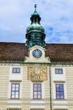 Πύργος ρολογιών στο παλάτι Hofburg Στοκ φωτογραφία με δικαίωμα ελεύθερης χρήσης