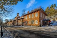 Πύργος ρολογιών στο χωριό σιδηρουργείων Fiskars Στοκ Εικόνα