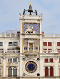 Πύργος ρολογιών του σημαδιού του ST στη Βενετία Στοκ Φωτογραφία