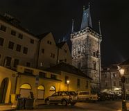 Πύργος στη γέφυρα του Charles στη νύχτα Πράγα Στοκ φωτογραφίες με δικαίωμα ελεύθερης χρήσης