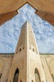 Πύργος στο μπλε ουρανό στο Χασάν ΙΙ μουσουλμανικό τέμενος Στοκ φωτογραφίες με δικαίωμα ελεύθερης χρήσης