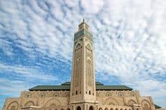 Πύργος στο μπλε ουρανό στο Χασάν ΙΙ μουσουλμανικό τέμενος Στοκ Φωτογραφίες