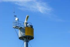 Πύργος συσκευών αποστολής σημάτων ραντάρ Στοκ Εικόνες