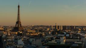 Πύργος του Άιφελ στο εναέριο ηλιοβασίλεμα του Παρισιού στη Γαλλία Στοκ φωτογραφία με δικαίωμα ελεύθερης χρήσης