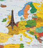 Πύργος του Άιφελ στο χάρτη Στοκ εικόνες με δικαίωμα ελεύθερης χρήσης