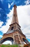 Πύργος του Άιφελ - άποψη από Champs de Mars.Paris, Γαλλία Στοκ Φωτογραφίες