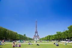 Πύργος του Άιφελ, Παρίσι, Γαλλία. Champ de Mars στοκ φωτογραφία με δικαίωμα ελεύθερης χρήσης