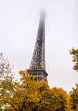 Πύργος του Άιφελ, Παρίσι μια misty ημέρα φθινοπώρου Στοκ Εικόνες