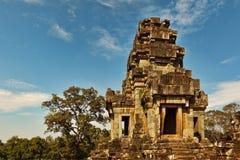 Πύργος του αρχαίου ναού hinduist Angkor στοκ φωτογραφία με δικαίωμα ελεύθερης χρήσης