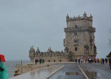 Πύργος του Βηθλεέμ στη Λισσαβώνα σε μια βροχερή ημέρα στοκ φωτογραφίες