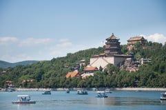Πύργος του βουδιστικού θυμιάματος Foxiangge Hill μακροζωίας Wanshoushan kunming λίμνη Kunminghu καλοκαίρι παλατιών του Π& Yiheyua στοκ εικόνα