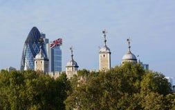 Πύργος του Λονδίνου, αγγούρι, Union Jack Στοκ Εικόνες