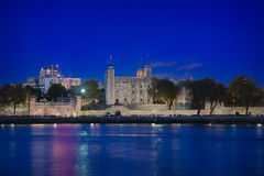 Πύργος του Λονδίνου & της μπλε ώρας Στοκ Εικόνα