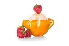 Πύργος του πορτοκαλιού και της φράουλας στοκ εικόνες με δικαίωμα ελεύθερης χρήσης