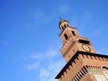 Πύργος του Castle στον ουρανό στοκ εικόνες