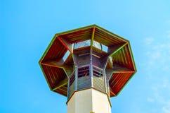Πύργος φάρων και μπλε θερινός ουρανός, η ασφαλής επιστροφή του shi Στοκ φωτογραφία με δικαίωμα ελεύθερης χρήσης