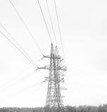 Πύργος δύναμης στη χειμερινή ημέρα στο ελαφρύ υπόβαθρο Στοκ φωτογραφία με δικαίωμα ελεύθερης χρήσης