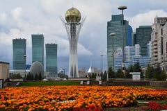 Πύργος Bayterek στην πόλη Καζακστάν Astana στοκ εικόνες