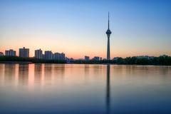 Πύργος CCTV στο ηλιοβασίλεμα στοκ φωτογραφία με δικαίωμα ελεύθερης χρήσης
