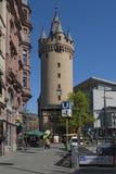 Πύργος Eschenheimer, πρώην πύλη πόλεων της πρόσφατης μεσαιωνικής οχύρωσης πόλεων της Φρανκφούρτης Στοκ φωτογραφίες με δικαίωμα ελεύθερης χρήσης