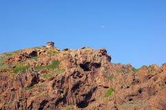 Πύργος Genoese στην επιφύλαξη φύσης Scandola, παγκόσμια κληρονομιά της ΟΥΝΕΣΚΟ Στοκ Φωτογραφίες