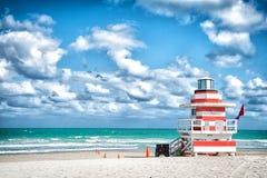 Πύργος Lifeguard για τη διάσωση baywatch στην παραλία στο Μαϊάμι, ΗΠΑ στοκ εικόνες με δικαίωμα ελεύθερης χρήσης