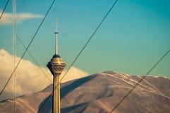 Πύργος Milad στις αλυσίδες Στοκ εικόνα με δικαίωμα ελεύθερης χρήσης