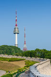 Πύργος Namsan, και οι μπλε ουρανοί ανωτέρω στη Σεούλ, Νότια Κορέα Στοκ εικόνες με δικαίωμα ελεύθερης χρήσης