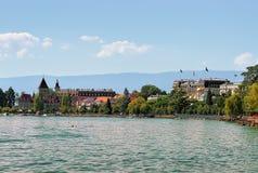 Πύργος Ouchy και περίπατος της Γενεύης λιμνών Στοκ φωτογραφίες με δικαίωμα ελεύθερης χρήσης