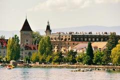 Πύργος Ouchy στον περίπατο λιμνών της Γενεύης στη Λωζάνη Στοκ φωτογραφία με δικαίωμα ελεύθερης χρήσης