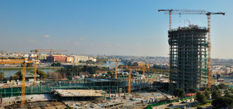 πύργος pelli construccion κάτω Στοκ Φωτογραφίες