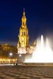 Πύργος Plaza de Espana στη νύχτα Στοκ Φωτογραφία