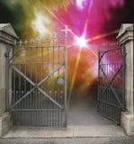 Πύλη επεξεργασμένος-σιδήρου στοκ φωτογραφίες