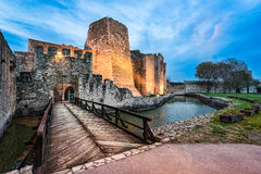 Πύλη και γέφυρα φρουρίων Smederevo στοκ εικόνα