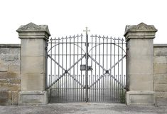 Πύλη και τοίχος επεξεργασμένος-σιδήρου στοκ φωτογραφίες με δικαίωμα ελεύθερης χρήσης