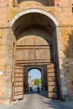 Πύλη πόλεων στη Σιένα, Τοσκάνη, Ιταλία Στοκ φωτογραφία με δικαίωμα ελεύθερης χρήσης