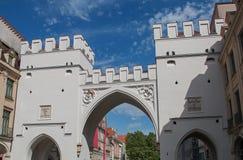 Πύλη πόλεων Karlstor στην παλαιά κωμόπολη Μόναχο Στοκ φωτογραφία με δικαίωμα ελεύθερης χρήσης