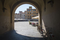 Πύλη στην πλατεία dell Anfiteatro Lucca Στοκ φωτογραφίες με δικαίωμα ελεύθερης χρήσης
