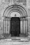 πύλη στη μεσαιωνική εκκλησία Στοκ Φωτογραφία