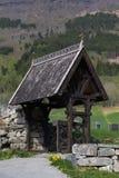Πύλη στο ναυπηγείο εκκλησιών στην εκκλησία σανίδων Hopperstad Στοκ Εικόνες