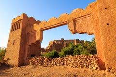 Πύλη στο kasbah Ait Ben Haddou στα βουνά ατλάντων του Μαρόκου Στοκ Εικόνες