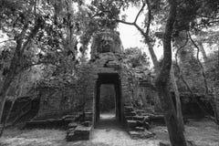Πύλη του ναού TA Prohm, Angkor Wat, Καμπότζη Στοκ εικόνα με δικαίωμα ελεύθερης χρήσης