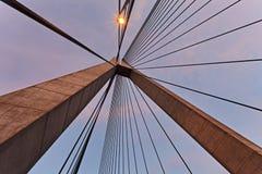 Πύλη του Σίδνεϊ Anzac από κάτω προς τα επάνω Στοκ φωτογραφία με δικαίωμα ελεύθερης χρήσης
