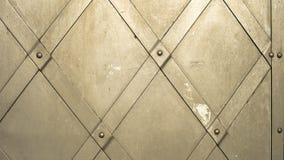 Πύλη φαιού σιδήρου με τα καρφιά, τεμάχιο Στοκ Φωτογραφία