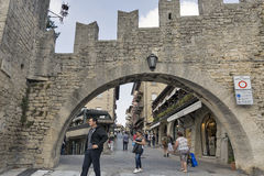 Πύλη Della Fratta πόλεων στον Άγιο Μαρίνο Στοκ εικόνες με δικαίωμα ελεύθερης χρήσης