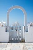 Πύλη Oia σε Santorini Στοκ Φωτογραφίες
