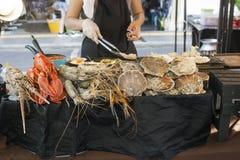 Πώληση θαλασσινών στην αγορά οδών σε Phuket, Ταϊλάνδη στοκ εικόνες με δικαίωμα ελεύθερης χρήσης